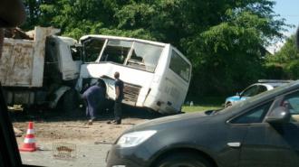 В страшной аварии с маршруткой в Красном Селе погибло 6 человек, в том числе ребенок