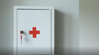 Комздрав разрабатывает порядок признания медиков пострадавшими от коронавируса