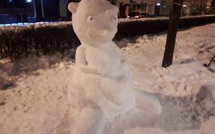 Фотоотчет: в канун Нового года выборжане украсили город снежными фигурами