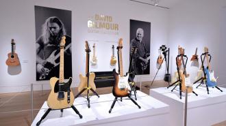 Гитары фронтмена Pink Floyd установили рекорд на аукционе