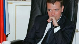 18% россиян склонно верить, что страной действительно руководит Дмитрий Медведев