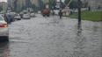 В Петербурге из-за дождей затопило Ириновский проспект