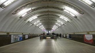 Пьяный пассажир разбил голову на станции метро «Садовая»