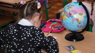 Лжеминер пообещал взорвать две петербургские школы
