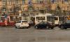На Светлановской площади образовалась большая пробка из-за сломанного трамвая