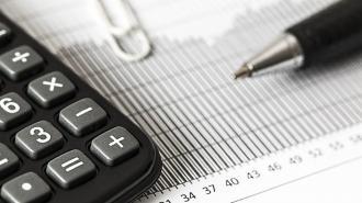 Директор петербургской фирмы не заплатил более 100 млн рублей налогов