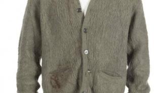 Старый зеленый кардиган Курта Кобейна продали за 334 тысячи долларов
