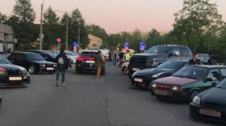 Суд оштрафовал петербуржца за организацию сходки стритрейсеров