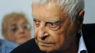 Сегодня будет рассмотрено заявление Любимова об уходе из Театра на Таганке с 15 июля