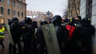 После протестной акции 31 января по решению судов в Петербурге арестовали около 200 человек