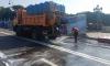 Ко Дню ВМФ улицы Петербурга промывают шампунем