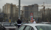 Полиция и ОМОН обследуют подозрительную коробку в супермаркете на Бабушкина