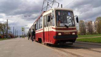 На Среднеохтинском проспекте трамваи и автобусы поменяют маршруты