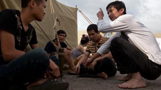 Госдума хочет узаконить палаточные лагеря для мигрантов
