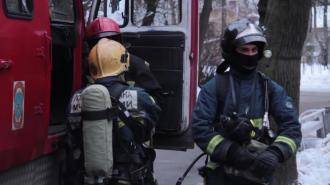 Из дома на Комендантском из-за загоревшегося электрощита эвакуировали людей
