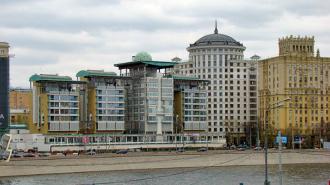 Великобритания опровергает закрытие визовых центров в России