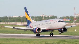Пассажирский Boeing-735 со сломанным двигателем приземлился в Новосибирске