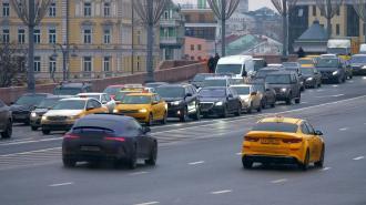 В Петербурге вновь пытаются закрепить единый цвет такси