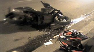 Пьяный водитель скутера напал на инспектора после ДТП в Петербурге