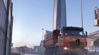 За неделю с улиц Петербурга вывезли 3,2 тысяч тонн мусора
