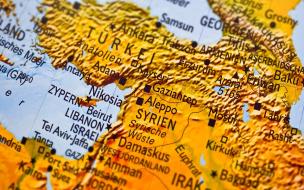 В Сирии неизвестные напали на колонну американских военных