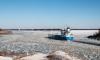 Четверо рыбаков чуть не уплыли на льдине в Финском заливе