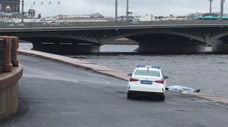 Мужчина погиб после падения с Благовещенского моста