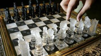 В Петроградском районе открыли шахматную школу Марка Тайманова
