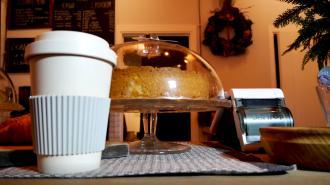 Подмосковные кафе смогут требовать у посетителей тест на COVID-19