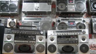 Петербуржец основал первый в России музей кассетных магнитол