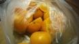 Собака обломала подружку зека, которая передала апельсины ...