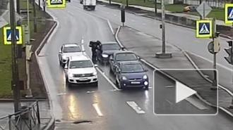 Водитель иномарки избил курьера на Митрофаньевском шоссе