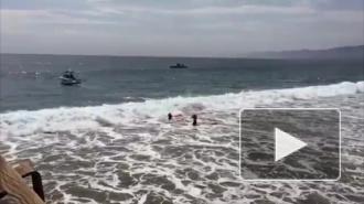 Молния ударила 14 человек на пляже в США, один погиб