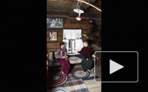 Дети играют видео для музея
