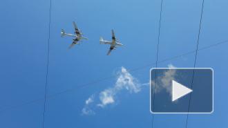 Петербужцам продемонстрировали дозаправку ту95 в воздухе
