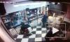 """Видео: на """"Звездной"""" клиент украл у парикмахера 2 тысячи рублей"""