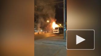 В Ростове-на-Дону на ходу загорелся автобус с пассажирами