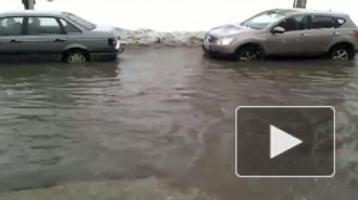 """""""Удельная"""" тонет. Прорыв трубы на Энгельса грозит наводнением"""
