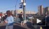 Видео: около500 фанатовБилли Айлишстоят в очереди у Ледового дворца