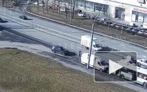 На Большевиков столкнулись три автомобиля