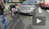 На Энгельса дедушка-нарушитель угодил под Land Rover сурдолимпийской чемпионки