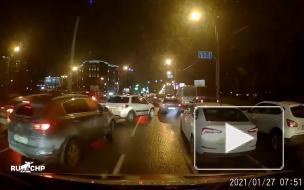 Водитель не пропускал карету скорой помощи в Петербурге