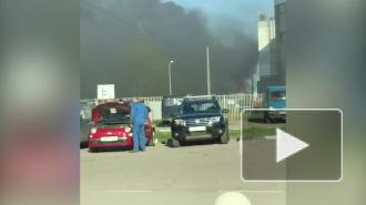 Пожар в автосервисе на Дальневосточном проспекте локализован