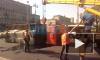 """У """"Московской"""" отдыхает КАМАЗ: грузовик завалился на бок на проезжей части"""