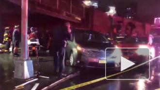 В Нью-Йорке автомобиль наехал на пешеходов, есть погибшие