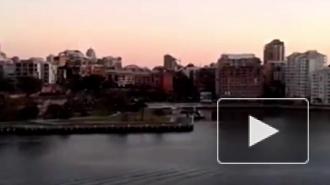 В австралийском Сиднее неизвестный удерживает в кафе заложников