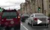 """В Невском районе пешеход побежал на """"красный"""" и попал под колеса сразу двух машин"""