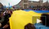Протестующие в Киеве не покинули Майдан Незалежности и строят баррикады