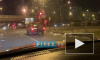 Видео: На Малой Балканской неизвестный разбросал по дороге газеты