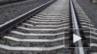 На железнодорожном переезде под Москвой иномарка столкнулась с электричкой